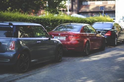 zaparkowane  auta
